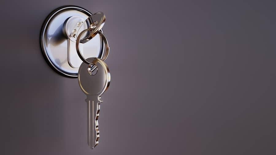 Sonhar com chave na mão