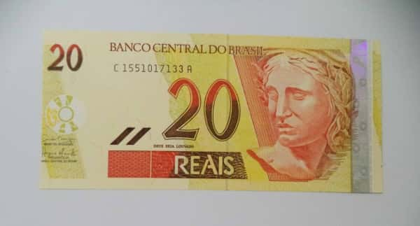 Sonhar com nota de 20 reais