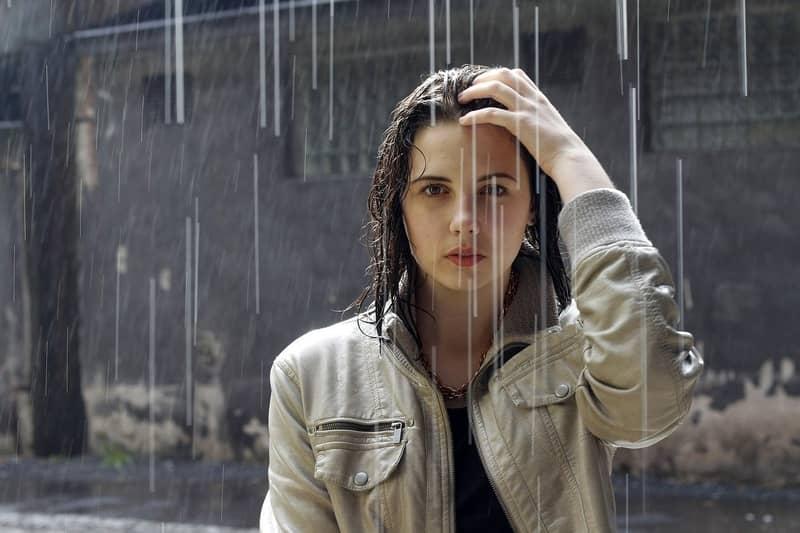 Sonhar com cabelo molhado