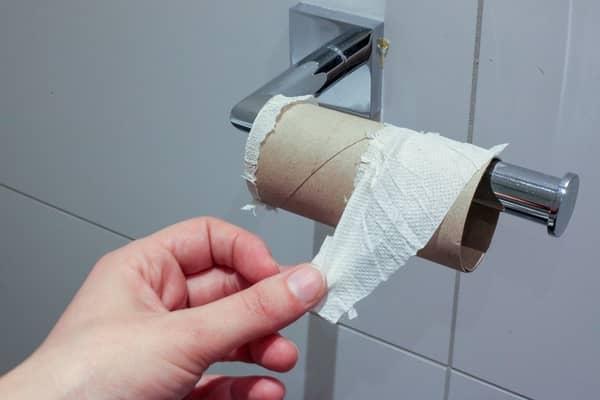 Rolo sem papel higiênico