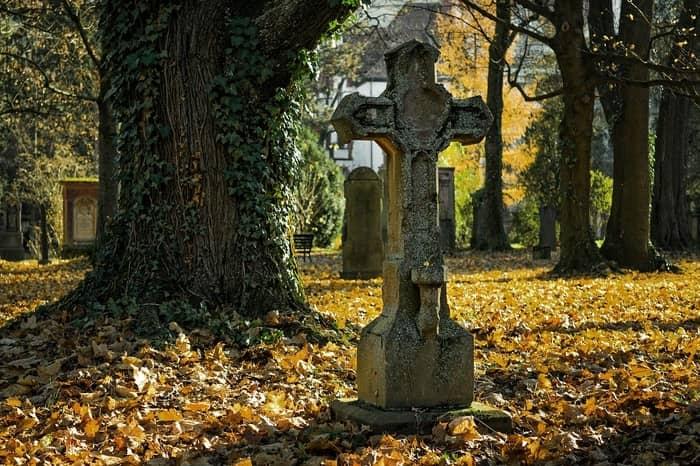 Números da sorte de sonhar com cemitério