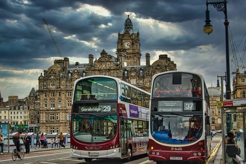 Sonhar com ônibus de viagem